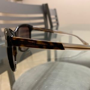 Dvf two tone brown sunglasses brand new DVF511S
